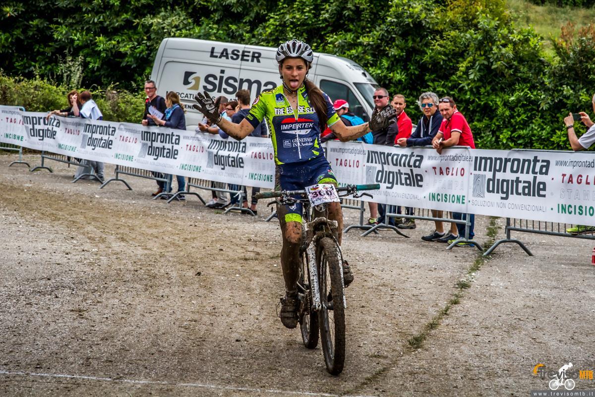 29a Misquil Bike Memorial Maurizio Scandiuzzi - Mussolente - 15/05/2016 arrivo donne allieve 2° anno